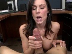 Kendra Lustfulness thrusts this fast dick in her throat
