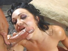 Lickerish babe Cherokee gets her face plastered with cum