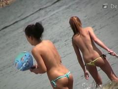 Essential beach voyeur pellicle of hot playful girls in water