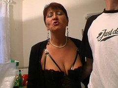 Luscious French mature babe fucking with her guy on vid