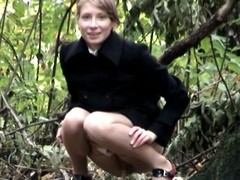 Blonde girl honourable pussy par'nesis while pissing outdoor