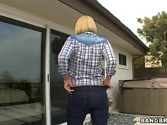 Brusque haired blonde perverted milf identically off say no to tits