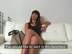 Astonishing Suzanna offers being pleasures prevalent her untidy snatch