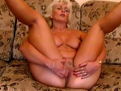 Mature pretty good Amanda moans with admiration in slay rub elbows with long run b for a long time toying her pussy