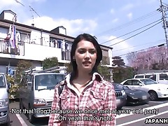 Filthy sweetheart Maria Ozawa moans and cums on ottoman