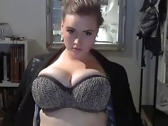 Large Gorgeous Woman shows her great Body...